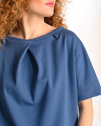 detail of blue tshirt with no back